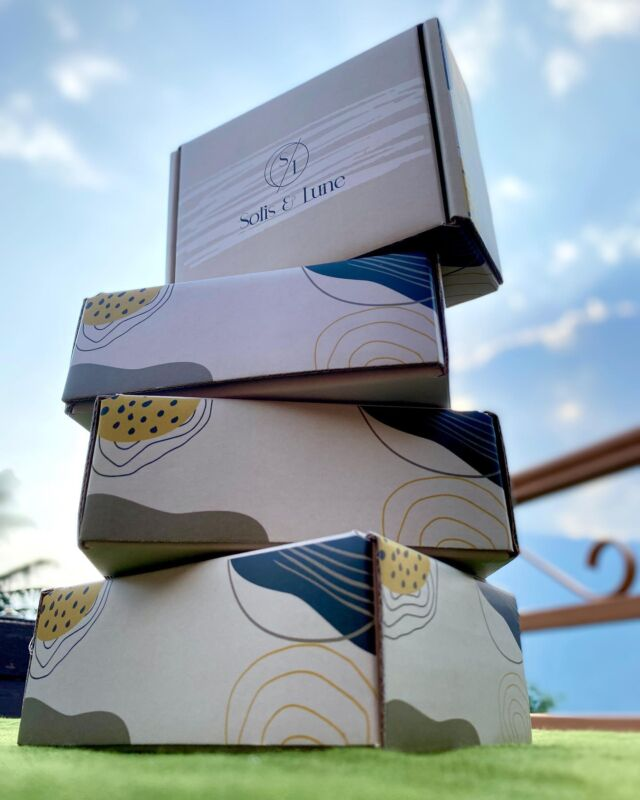 Here at #dabbafactory, every single detail counts. We take a lot of care to make your dreams come to life and to put those dreams into the best packaging.   Looking for personalized boxes for your business ? Send us a dm or go to www.dabbafactory.com to place your orders today!  - - -  #giftboxes #userboxes #packagingdesign #packagingexperts #indianstartups  #packingtips #packagingtool #websitetool #giftboxes #innovation #customisedgifts #customised #makeyourbox #userboxes #boxesonboxes #giftsforalloccasions #brandingdesign #jewelry #jewelrybox #boxes